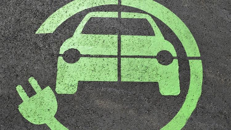 elektromos autó töltése otthon